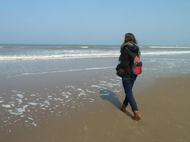 Chybička je velká cestovatelka a ráda vyrazí jen tak s batohem, kam ji nohy nesou
